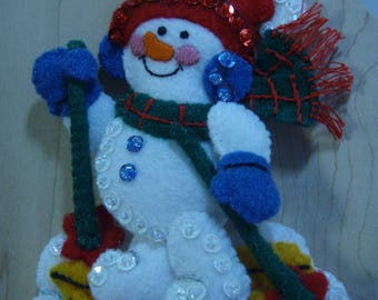 Bucilla Felt SNOWMAN SKIER CHRISTMAS Ornament from the Winter Fun Collection