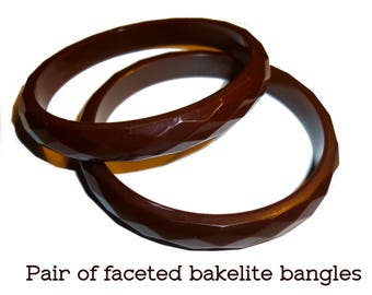 "2 Carved Faceted Bakelite Bangle Bracelets. 3/8"" Wide. Pair of Brown Carved Bakelite Bangles Tested & Guaranteed. Vintage 1940s"