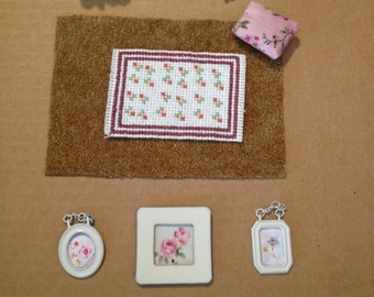 Pink Flowers Dollhouse Miniatures set