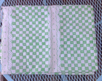 Vintage green and white twin flat sheet. Vintage linens.