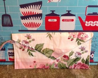 Rose floral purse.  Retro mod clutch handbag.  Handmade purse.  Handmade clutch. Envelope style purse. Wristlet.