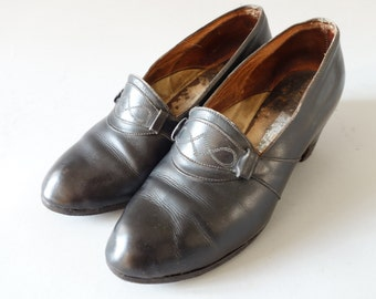 1920's black heels   size 6us   36fr