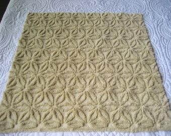 "Fluffy Light Butterscotch Hofmann Daisy Vintage Chenille Bedspread Fabric 22"" x 22"""