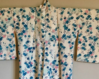 SALE 1970s KIMONO Boho Japanese Duster with FLORAL Motif