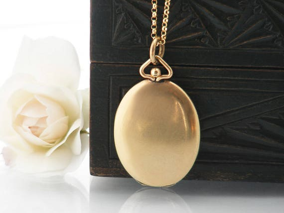 Antique Locket | Satin Finish Gold Oval Edwardian Locket Necklace | Purse Closure, Minimal Gold Vintage Locket | Love Token - 20 Inch Chain