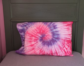 Spiral Tie-Dyed Pillowcase - Pinks and Purples