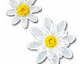 White Flower Patch - Flower Embroidered Iron On Patch, Botanical, Japanese Kawaii Floral Iron on Applique, Embroidery Applique, 2PCS, W346