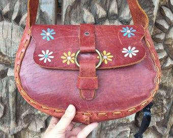 Vintage Mexican painted flowers leather purse slip through brass closure, Mexican purse, hippie purse, leather satchel, Southwestern purse