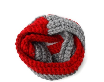 Red and Gray Scarf, Chunky Scarf, Infinity Scarf, Team Scarf, Team Gifts, Winter Scarf, Circle Scarf, Crochet Scarf, Cozy Scarf, Warm Scarf