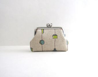 Beige Pendant Coin Purse Frame Mini Pouch Mini Jewelry Case with Ring Pillow