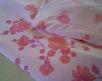 Vintage Pink Floral Sheet Set, Full / Double, Top & Bottom Sheets, Roses Daisies 1970s Retro Pastels