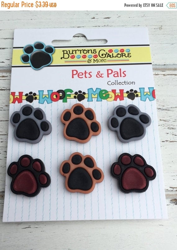 """SALE Dog Paw Print Buttons, Carded Novelty Buttons """"Precious Paws"""" Style PP100 by Buttons Galore, Carded Set of 6 Buttons, Shank Back"""