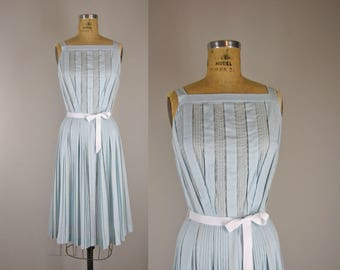 1950s Vintage Dress / 50s Pale Blue Button Back Cotton Sundress
