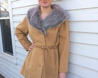 70s Coat Vintage Faux Fur Collar Vegan Jacket Camel Silver Hockanum Abbmoor Wool Nylon M