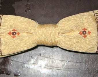 Great Vintage 1950s Clip On Bow Tie Bowtie Prepster Geek Yellow Pattern