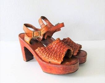 40% OFF SALE Vintage 1970's Leather Platform Heels / Wooden Stacked Heeled Hippie Sandals / Ladies Size 6 Open Toe Strappy Shoes