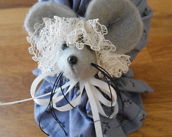 Vintage Handmade Gray Felt Mouse in Colonial Floral Patterned Dress and Bonnet