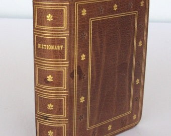Small Vintage Leatherbound New Universal 1944 Dictionary