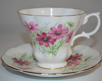 Royal Albert tea cup and saucer Friendship Series - Cosmos teacup floral