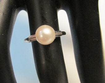 Vintage Estate Mikimoto 14K White Gold High Luster Pearl Ring