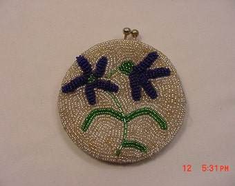 Vintage Glass Beads Change Purse With Flowers   16 - 804