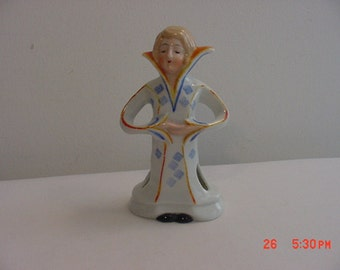 Vintage Ceramic Queen Figurine To Hold Your Pens - Pencils - Paint Brushes - Incense Or ?  17 - 396