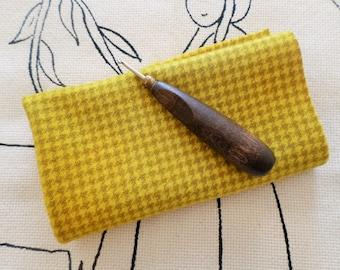 "Hand Dyed Houndstooth Wool, SUNFLOWER, Wool Rug Hooking, Wool Applique, Fiber art Supplies, Textile Arts, 7x15"""