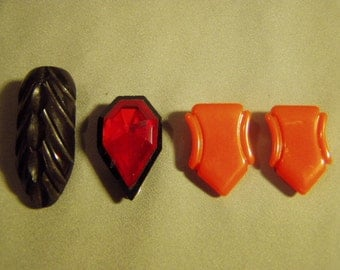 Lot 4 Vintage Plastic Dress or Shoe Clips Bakelite Lucite Catalin 8975