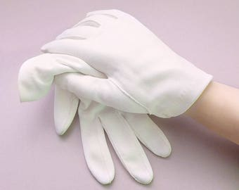Simple Wrist Length White Gloves, Small