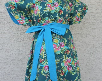 Coquet Maternity Hospital Gown - Bouquet of Flowers - Perfect Delivery Gown to Welcome Baby - by Mommy Moxie on Etsy