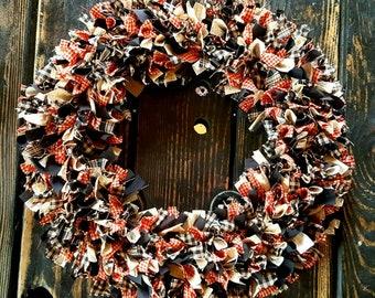 "Primitive Black and Barn Red Rag Wreath in Homespun 15"" Americana Collection, Farmhouse Country Door Wreath, Handmade in NJ"