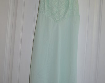 Vintage Vanity Fair Mint Green Full Slip, Lace Bodice, Size 36, Nylon Tricot