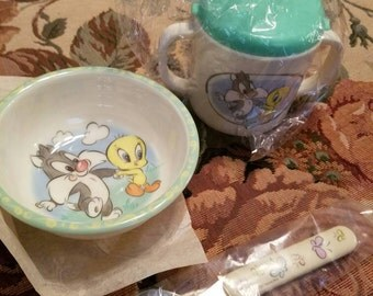 Vintage Dead Stock Baby Looney Tunes Toddler Flatware Spoon Sippy Cup Bowl Original Package Never Used Sylvester Bugs Bunny Tweety Bird 1997