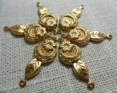 Brass Flower Horseshoe Connector