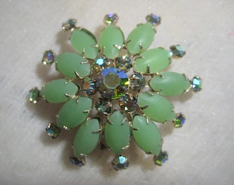 "Vintage Green Rhinestone Brooch, 1950s Green Glass Prong Set Rhinestones, Gold Tone, 2 1/8"", 1 Pc"