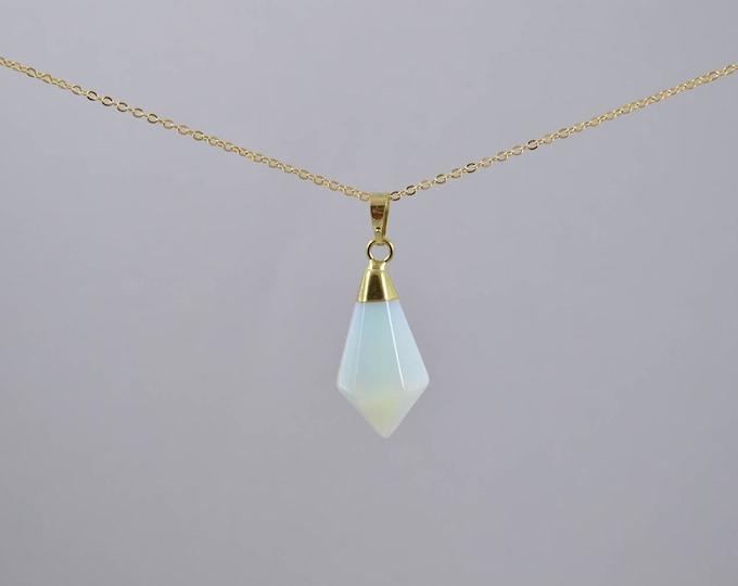 Opalite Crystal Gemstone Pyramid Point Necklace, Crystal Choker, Crystal Point Necklace, Quartz Crystal, Crystal Necklace, Crystal Point