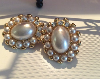 Clip earrings vintage goldtone beaded with crystals