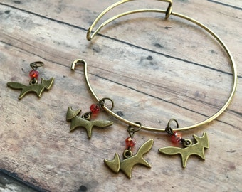 Stitch Marker Bracelet - set of 4 bronze foxes for your knitting project bag