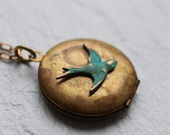 Vintage Swallow Bird Locket ... Verdigris Birds on Antique Gold Brass Pendant