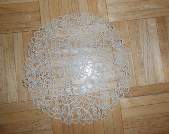 """Awesome Vintage Tatted Doily, ecru or beige, 9.5"""", handmade"""
