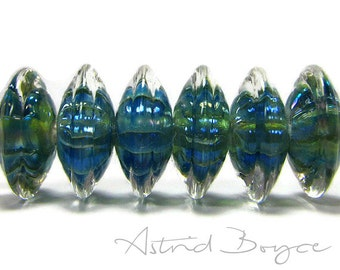Vibration lampwork Bead Set Saucer Disk Bead Artisan Silver Glass Blue Green Reactive Glass Encased in Clear Crystal Glass Vibration Raising