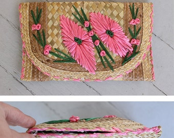 Vintage 50s 60s RESORT Pink & Green Floral Design Raffia Woven STRAW Fold-over Envelope Clutch Bag