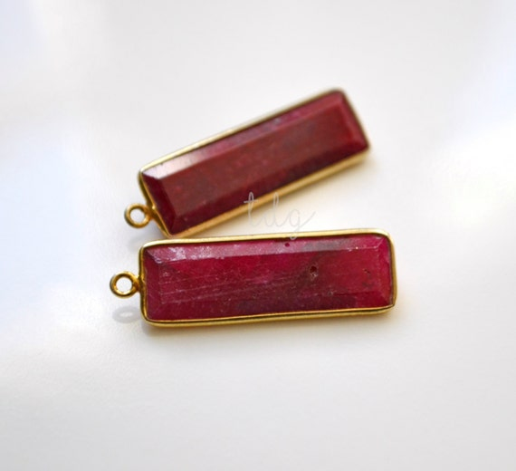 Red Rectangular Chandelier: Red Ruby Elongated Rectangle Pendant Vermeil Gold 29x9x4mm