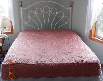 Vintage Dusty Pink Bedcover Bedspread Full Quilted Lined Fitted Foot Excellent Condition