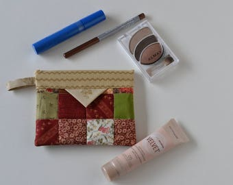 Cotton Snap Pouch, Cosmetic Pouch, Green Red Patchwork Quilted Jewellery Bag, Fabric bag