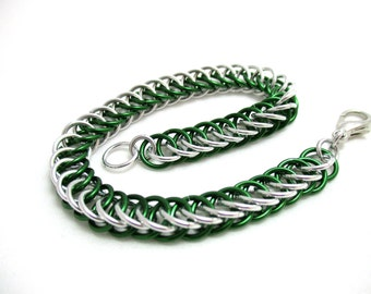 Half Persian 4:1 Chainmaille Bracelet - Green & Silver