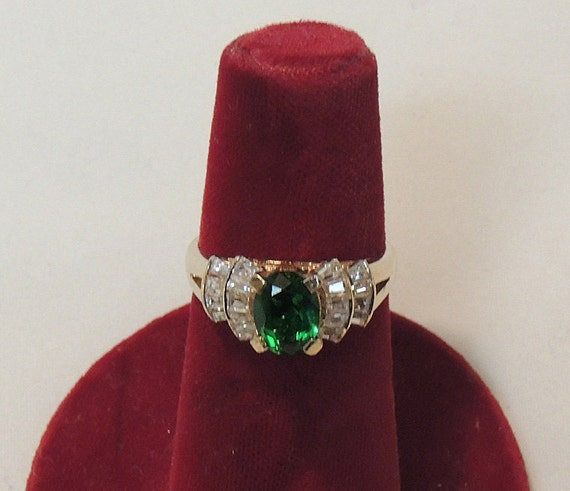Vintage Gold Over Sterling Silver 925 Ring.. Oval Emerald Green Stone.. Size 7.5 (#54)