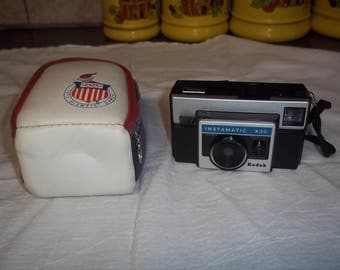 Vintage Kodak Instamatic X-30 Camera complete with carrying case
