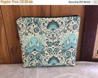Octo Garden Cosmetic zipper Bag