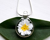 Small Flameworked Glass Flower Pendant, White Flower Pendant, Glass Flower Necklace, Garden Nature Lover Jewelry, Unique Keepsake Gift